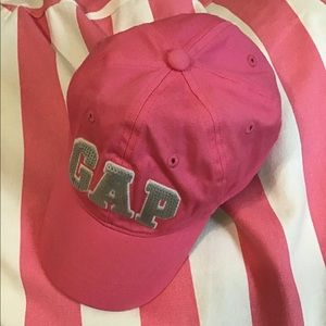Girls pink Gap hat